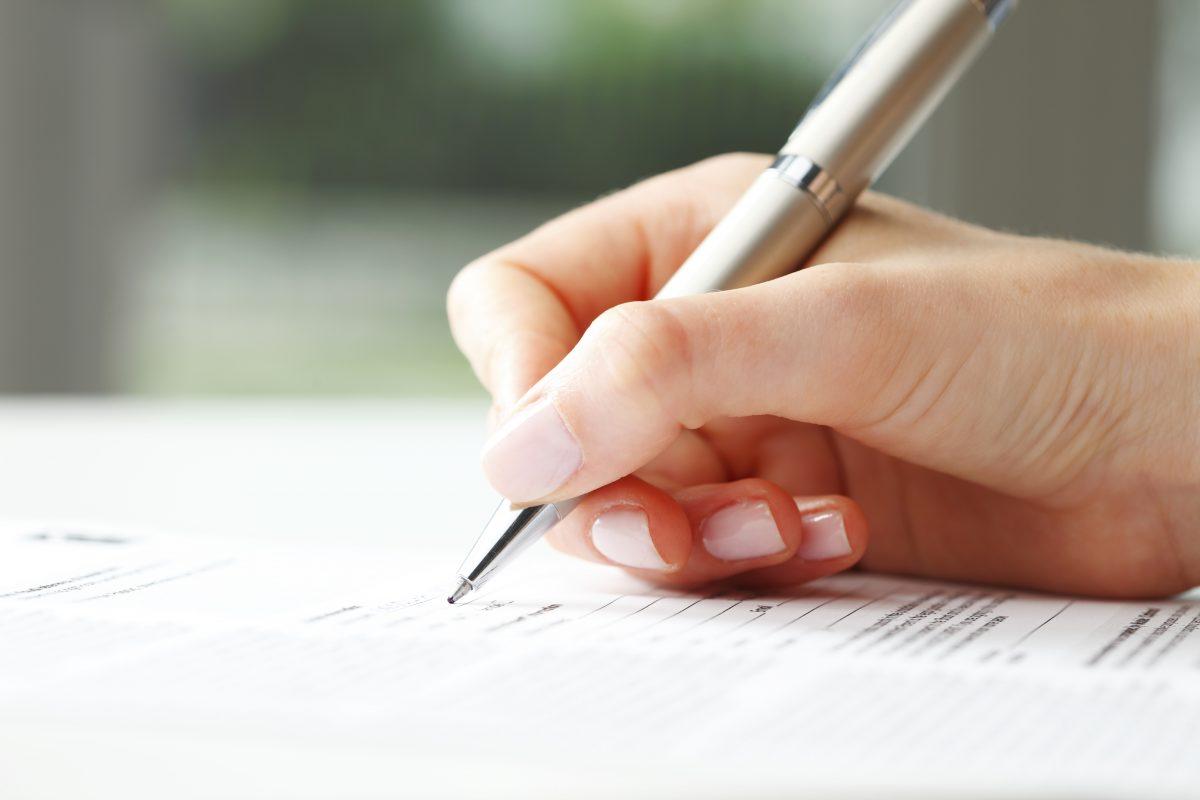Anschreiben an Kunden: Kommunikation mit Brief und Siegel